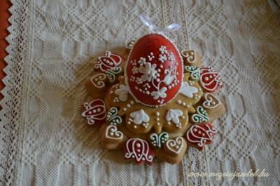 3D hímes tojás tartóval