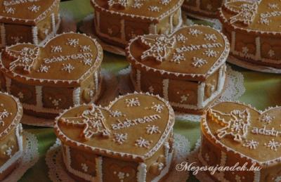 Mézeskalács karácsonyi doboz