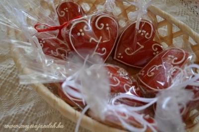 Monogrammos szívecske