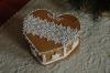 Csipkés mézeskalács szíves doboz